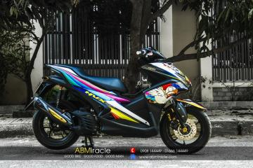 Yamaha NVX 155 RAINBOW CHICKEN