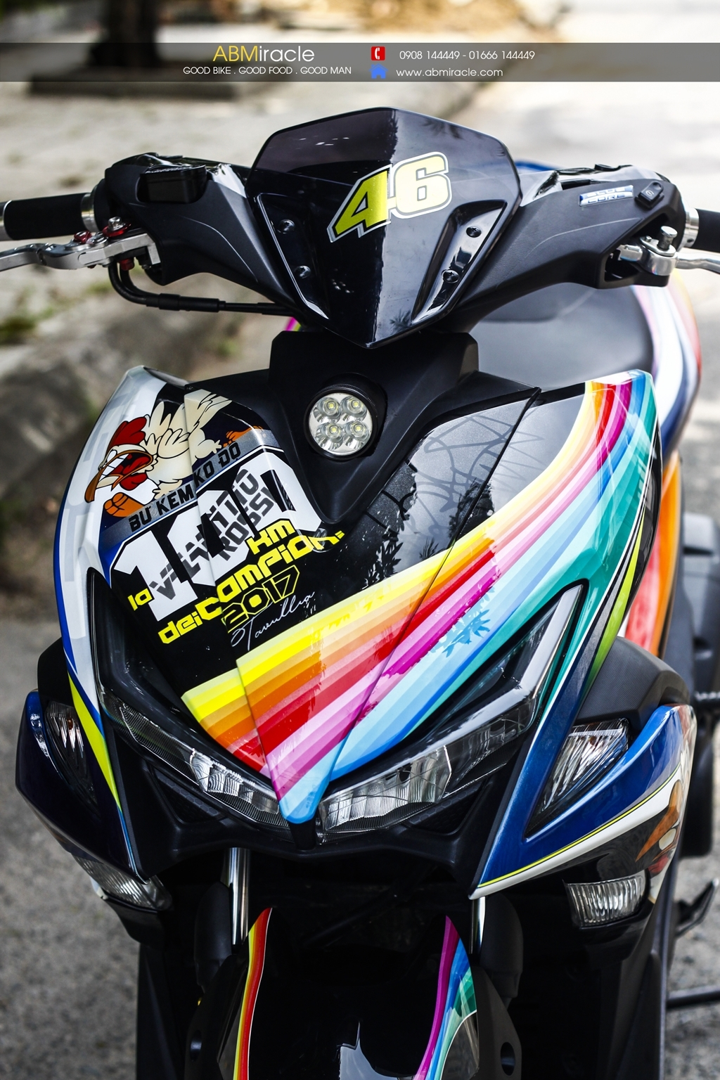 Yamaha NVX 155 RAINBOW CHICKEN